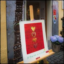 Es gibt einige Kunstgeschäfte auf Lindau-Insel....