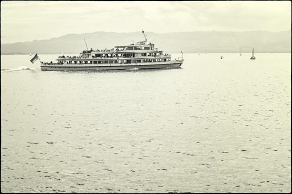 Schiffchen verläßt Wasserburg