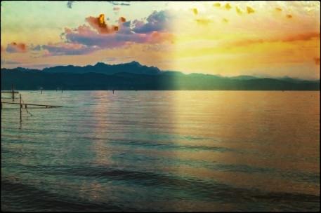 Der Sonnenuntergang über dem See....