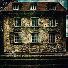 Unterwegs: Haus ohne Putz
