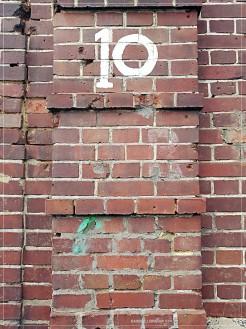 """Downing Street 10"" - Hafenstr."