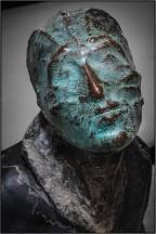 Diese Skulptur ist Teil einer Ausstellung im Foyer des Solidarnoc-Museums