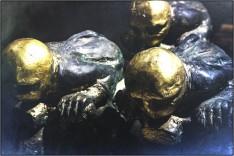"""""""3 Motorradfahrer"""" - Skulptur ist Teil einer Ausstellung im Foyer des Solidarnoc-Museums"""