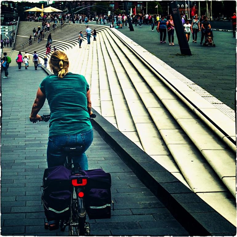 Radtour in der Metropole (seit Sturz nur noch mit Helm)