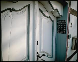 Tür in der schönen Altstadt