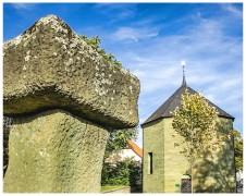 Stein mit Kapelle