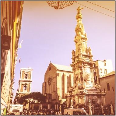 Piazza del Gesù Nuovo in Neapel: Tor zur Altstadt
