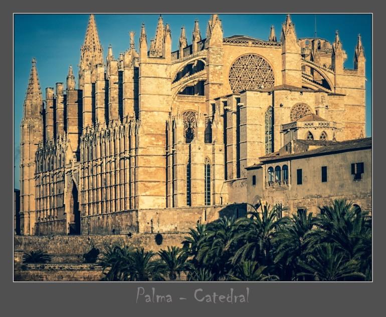 Kathedrale in bunt mit Rahmen